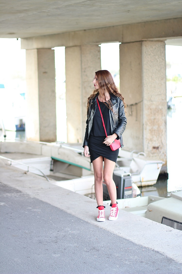 blog mode,blogueuse mode,au pays de candy,mode,fashion,tendances,comment s'habiller,tenue,shopping,fringues,pimkie,robe drapée,céline,converse