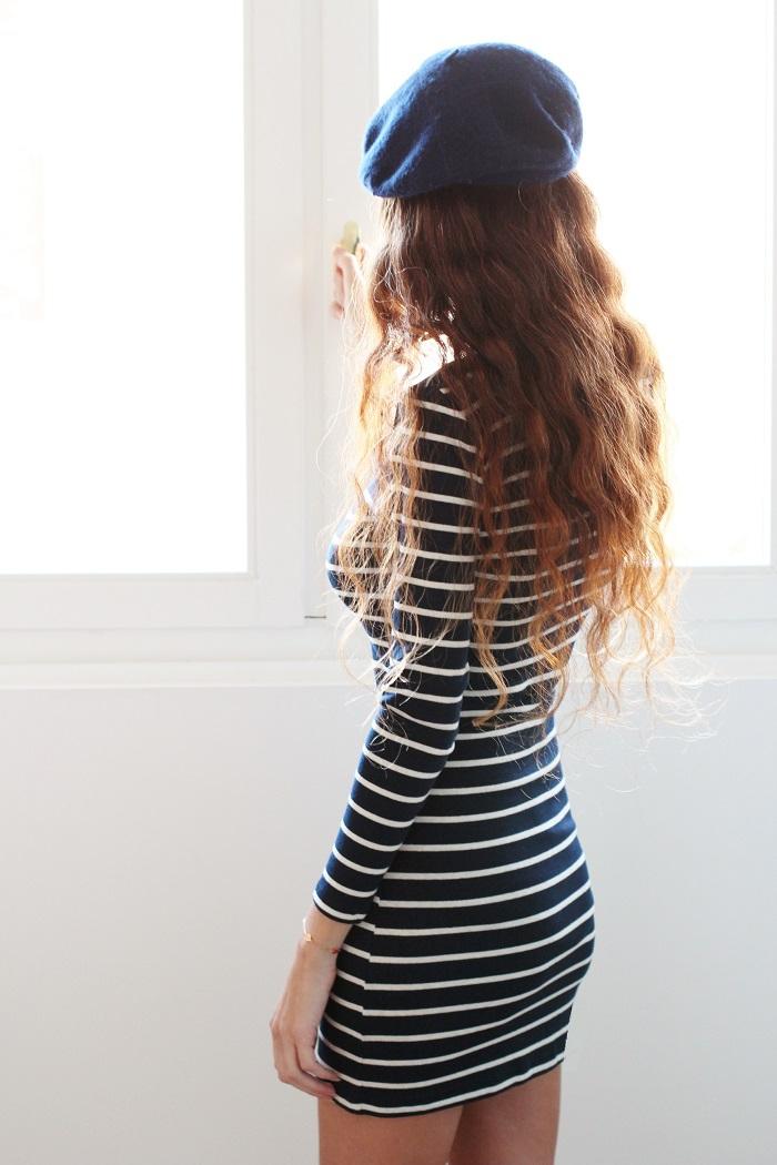 parisienne,look de parisienne,tenue de parisienne,bérêt,comment porter un bérêt,marinière,robe marinière,au pays de candy,blog au pays de candy,jeune fille française