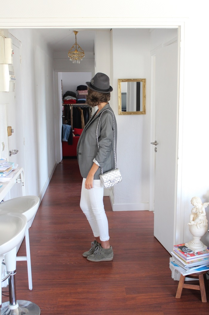 blog mode,blogueuse mode,comment s'habiller,idées tenues,look,tendances,mode,fringues,fornarina,isabel marant,sneakers,bobby,chanel,the kooples,blazer,zara