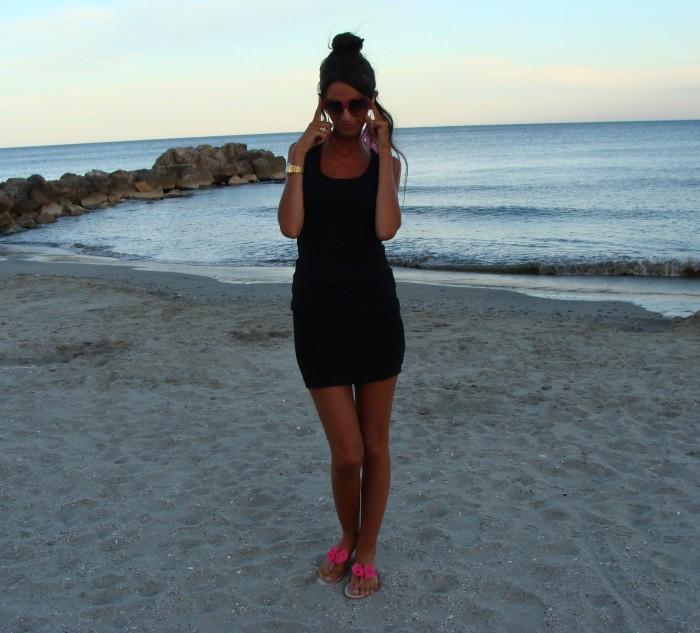 tenue de plage chic choisir la meilleure robe de plage dentelle d 39 t sophie la modeuse look. Black Bedroom Furniture Sets. Home Design Ideas