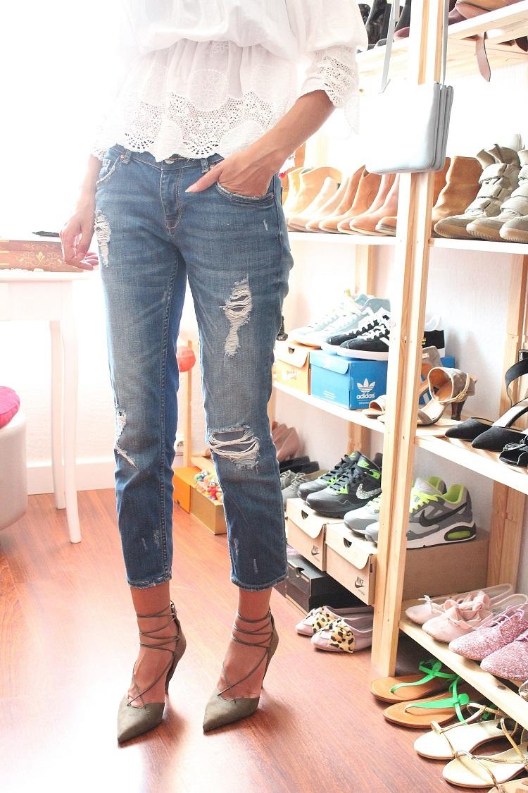 dressing 080.JPG